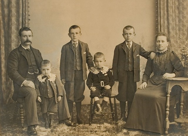 After restoration: Watson Family Portrait circa 1903