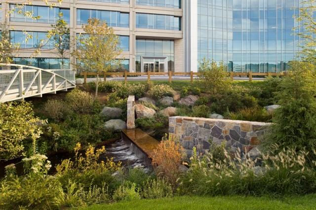 Weston Corporate Center, Weston MA – Bob Evans (architect), Pressley Associates (landscape architect), Moriarity Brothers Construction (GC); Boston Properties (property manager)